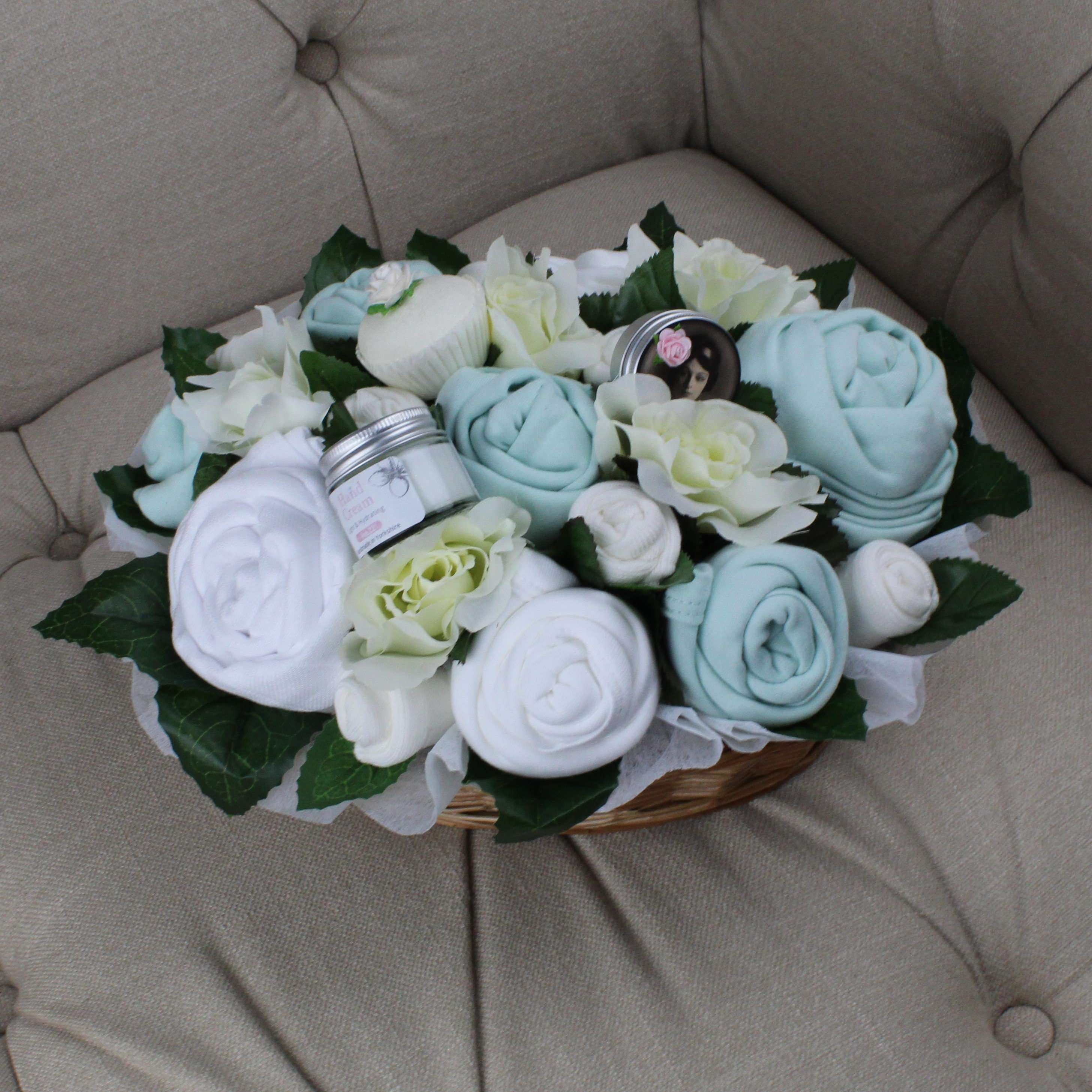 Superior Pampering Bouquet Mint - Baby Clothing Bouquet