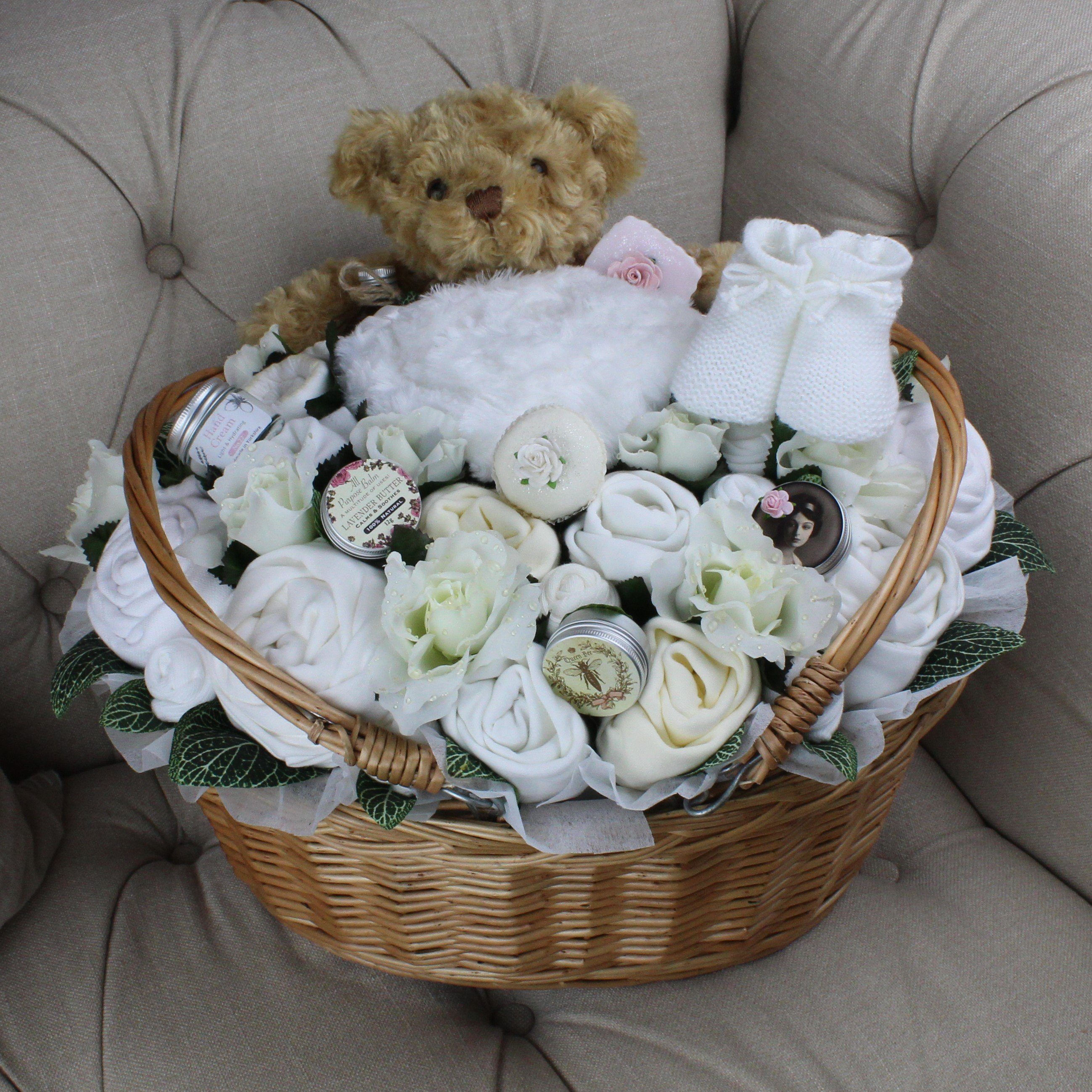 Ultimate Plus Pampering Neutral - Baby Clothing Bouquet